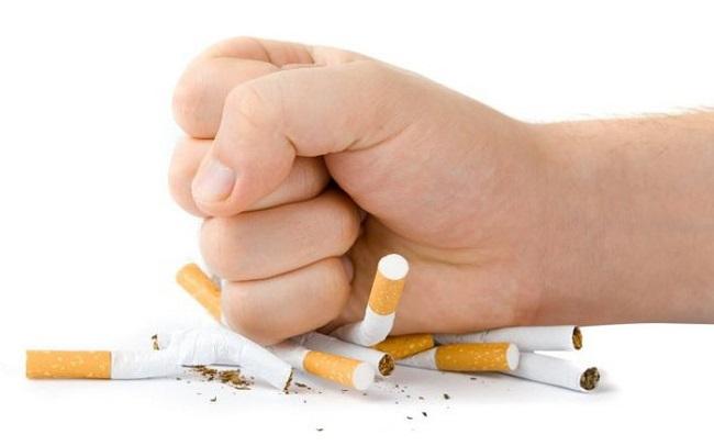 Hạn chế hút thuốc là điều rất cần thiết đối với nam giới
